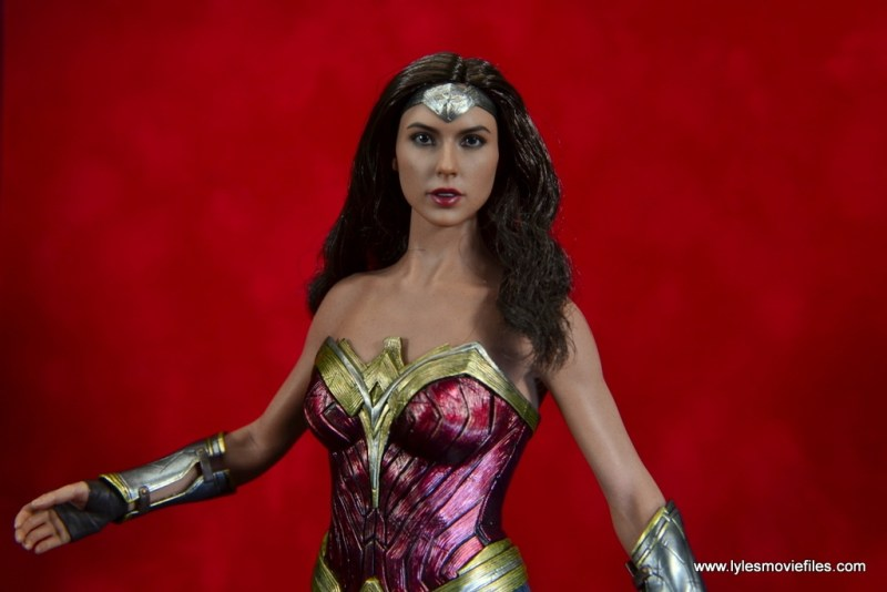 Hot Toys Wonder Woman figure review -red backdrop