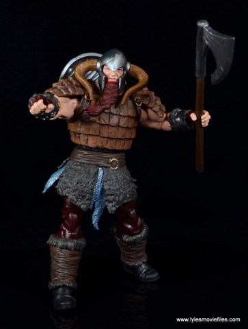 SDCC 2017 Marvel Legends Battle for Asgard figure review - shield on back