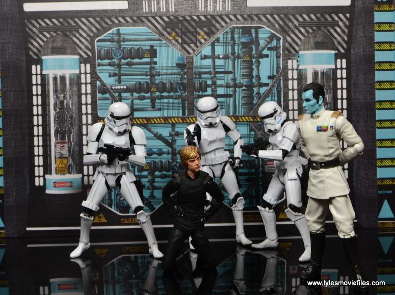 Star Wars The Black Series Grand Admiral Thrawn figure review -captured Luke Skywalker