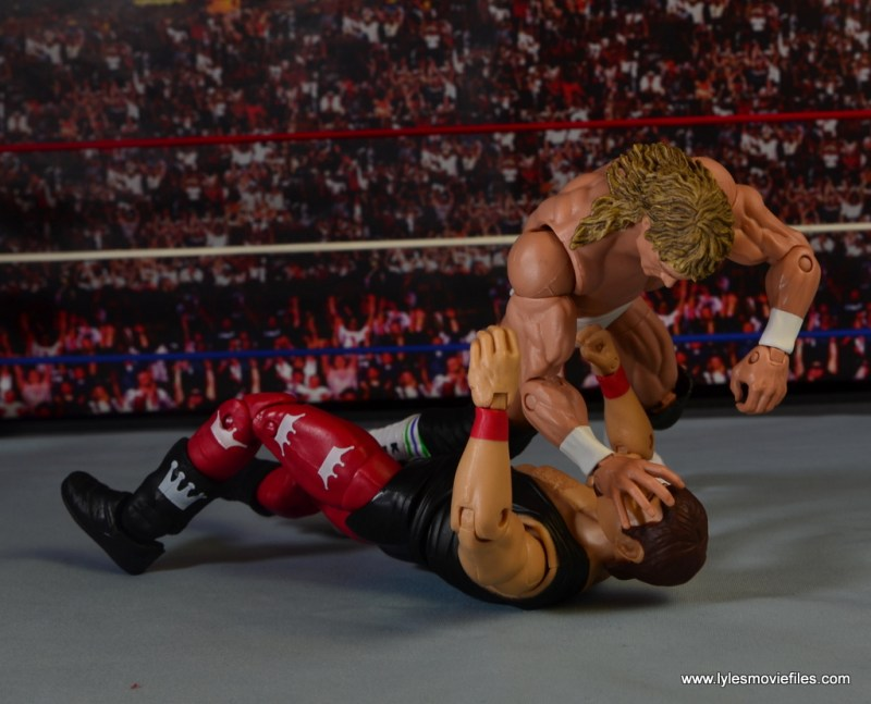 WWE Hall of Fame Jerry The King Lawler figure review -Kerry Von Erich claw hold on Lawler