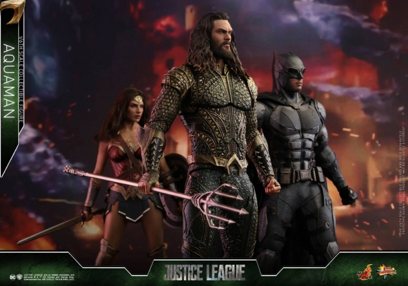 Hot Toys Aquaman figure -Justice League together