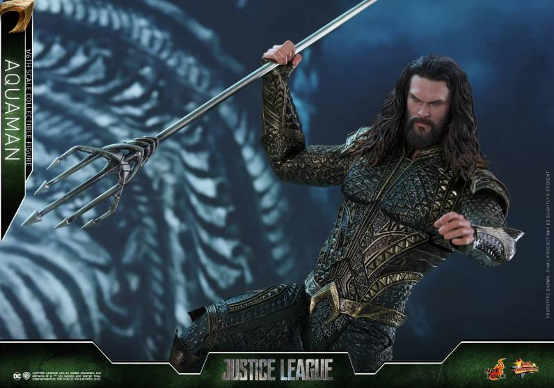 Hot Toys Aquaman figure -wide shot