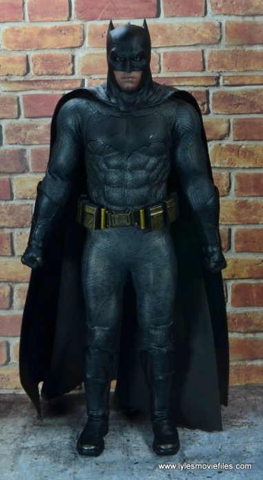 Hot Toys Batman v Superman Batman figure review -front