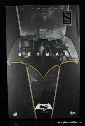 Hot Toys Batman v Superman Batman figure review -package front