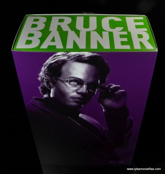 Hot Toys Bruce Banner figure review -package top