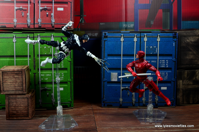 Marvel-Legends-Bullseye-figure-review-vs-Daredevil