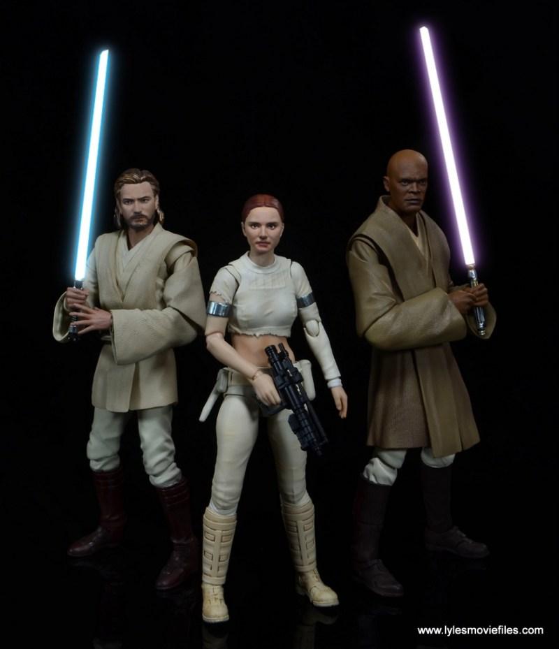SH Figuarts Padme figure review - with Obi-Wan Kenobi and Mace Windu lightsabers lit