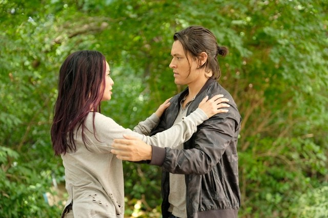 The Gifted - eXodus review - Jamie Chung and Blair Redford