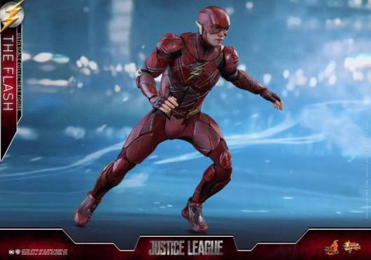 Hot Toys Justice League The Flash figure - ready to run
