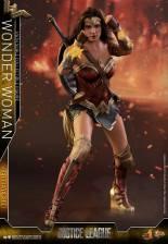 Hot Toys Justice League Wonder Woman figure -bullet deflection
