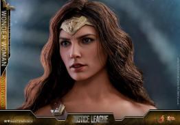 Hot Toys Justice League Wonder Woman figure -head detail
