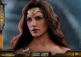 Hot Toys Justice League Wonder Woman figure -head detail
