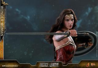 Hot Toys Justice League Wonder Woman figure -swinging sword