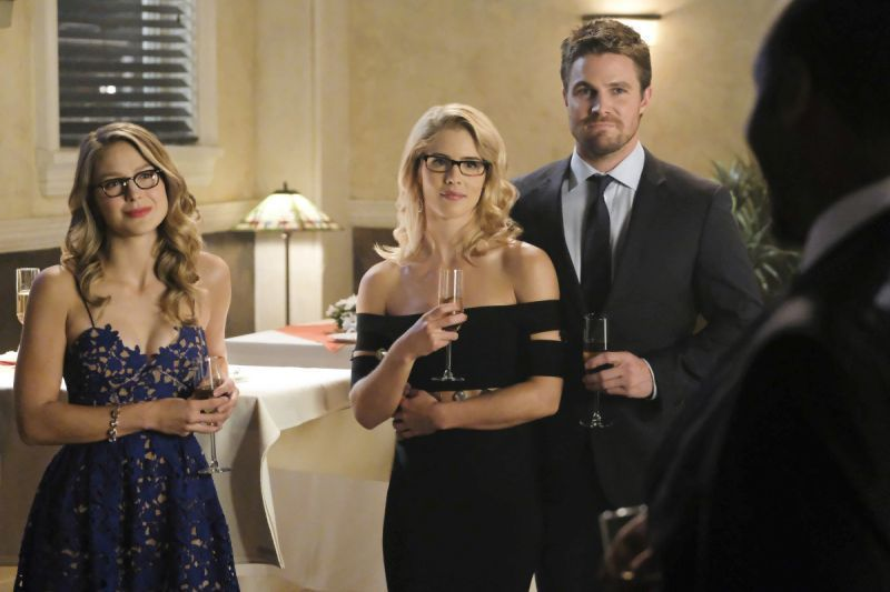 Supergirl Crisis on Earth-X Part 1 review - Kara, Felicity and Oliver