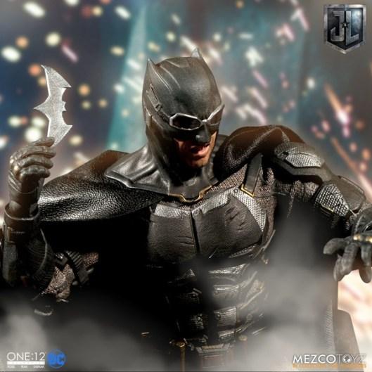 Mezco One12 Collective Justice League Movie Tactical Suit Batman figure with Batarang
