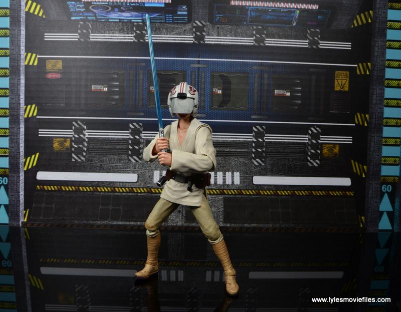 SH Figuarts Luke Skywalker figure review -with blast helmet on