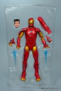 marvel legends invincible iron man figure review -accessories in tray