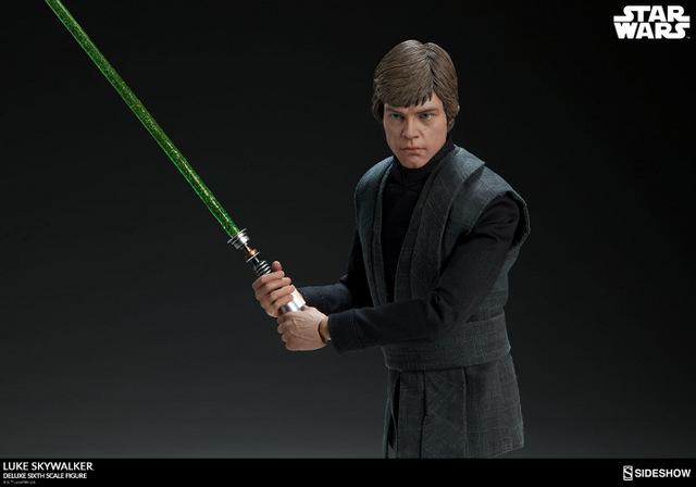 star-wars-luke-skywalker-sixth-scale-figure-sideshow-with lightsaber