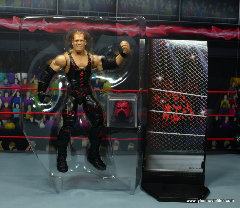 wwe elite 47b kane figure review -accessories in tray