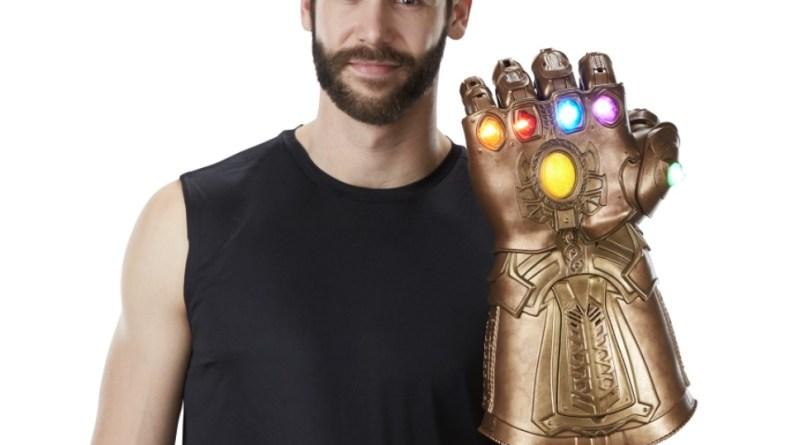 marvel legends infinity gauntlet hands up