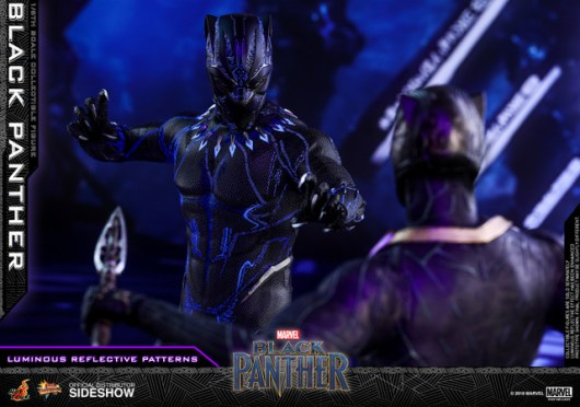 hot toys black panther figure -led effect face off