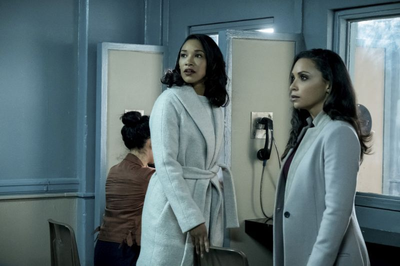 the flash true colors review iris and cecile