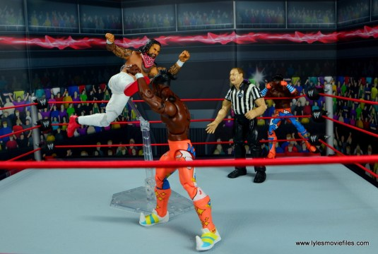 wwe elite 54 the usos jimmy and jey usos figure review - leg lariat to kofi