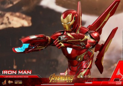 hot toys avengers infinity war iron man figure - aiming