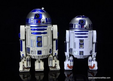 sh figuarts r2d2 figure review - next to hasbro star wars black R2D2