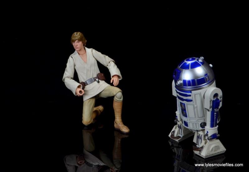 sh figuarts r2d2 figure review - with kneeling luke skywalker