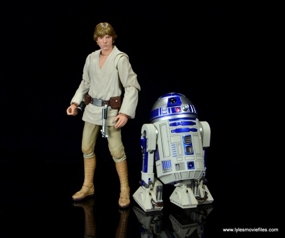 sh figuarts r2d2 figure review - with luke skywalker