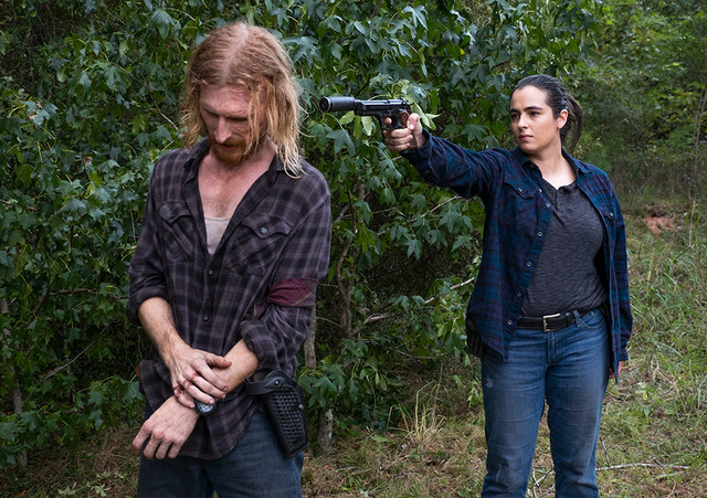 the-walking-dead-episode-dead or alive or review - dwight and tara