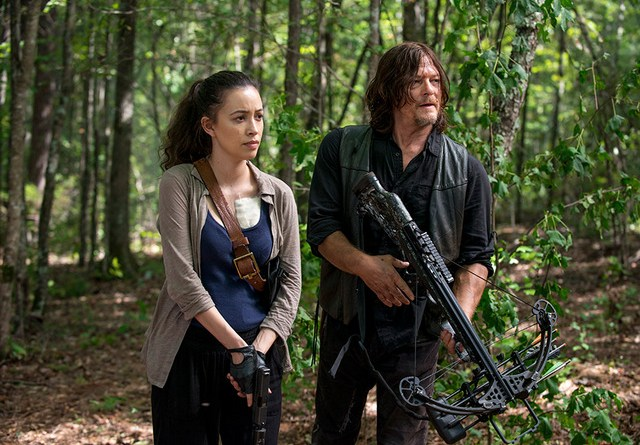 the-walking-dead-episode-dead or alive or review - rosita and daryl