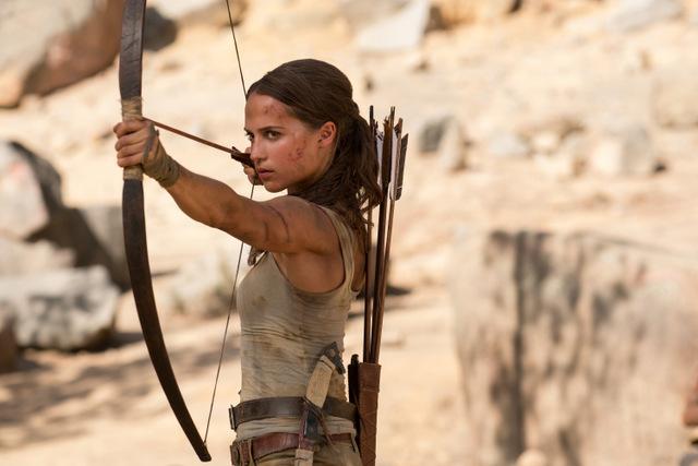 tomb raider movie review - alicia vikander as lara croft