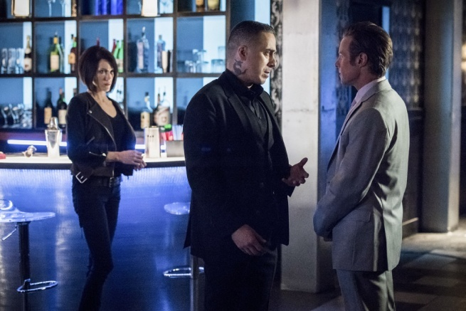 arrow-the-dragon-review-black-siren-and-ricardo-diaz