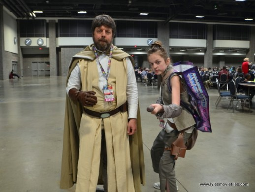 awesome con 2018 cosplay -last jedi luke and rey