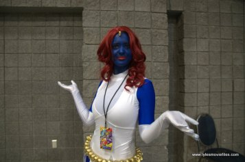 awesome con 2018 cosplay -mystique wide