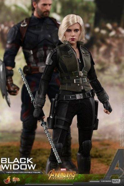 hot toys avengers infinity war black widow -batons together