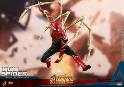 hot toys avengers infinity war iron spider-man figure -charging to battle