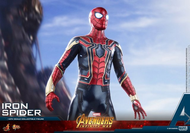 hot toys avengers infinity war iron spider-man figure -main shot