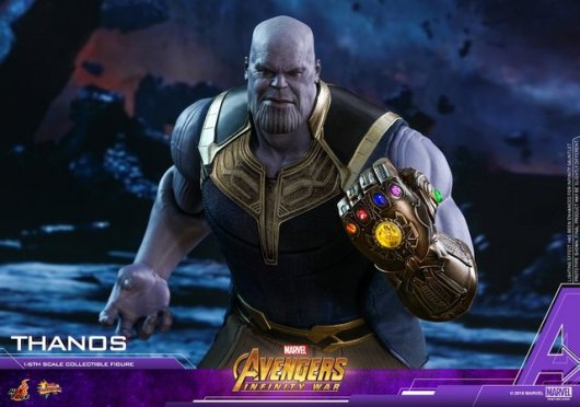 hot toys avengers infinity war thanos figure - charging forward with infinity gauntlet