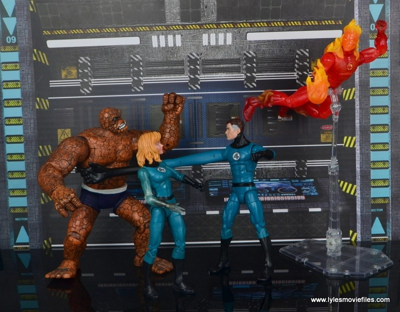 marvel legends mister fantastic figure review - stopping ben from getting johnny