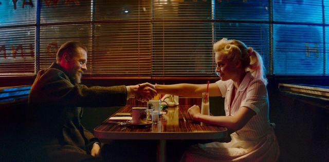 terminal movie review - simon pegg and margot robbie