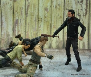 the walking dead negan figure review - killing abraham