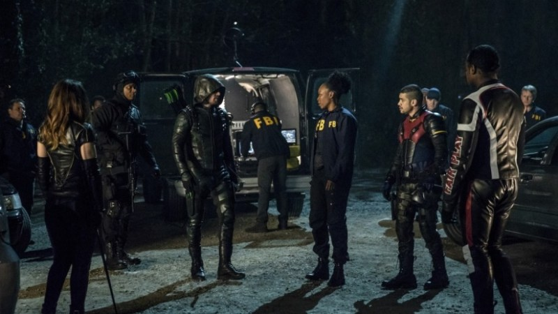 arrow life sentence review - team arrow and watson