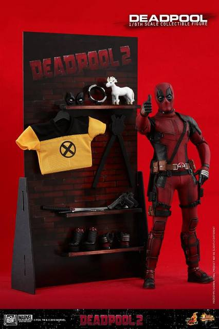 hot toys deadpool 2 figure - wall of accessories