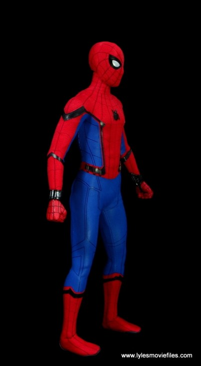 hot toys spider-man homecoming figure review - right side