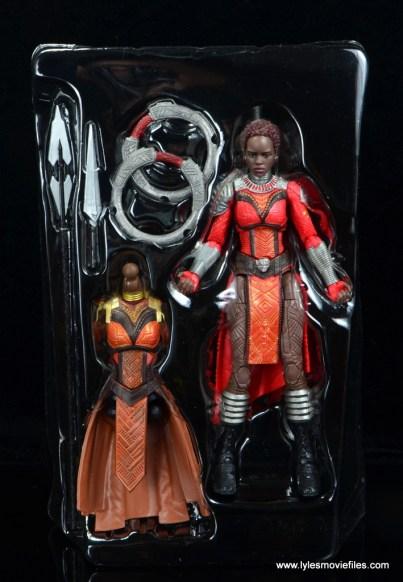 marvel legends nakia figure review - accessories