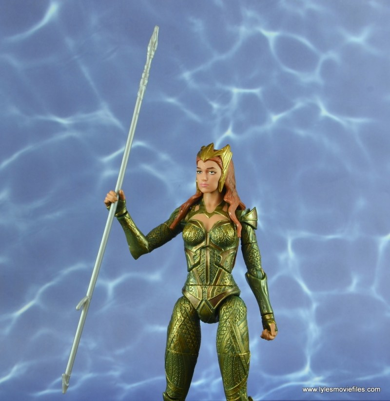 dc multiverse mera figure review - holding the spear