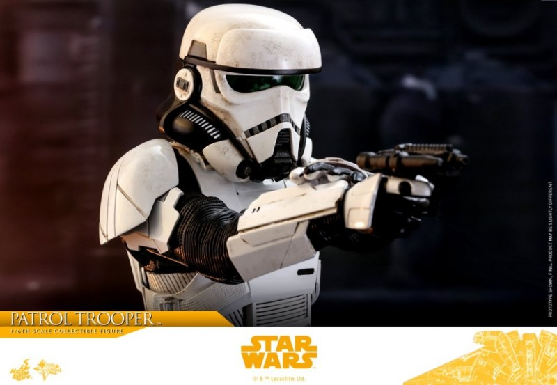 hot toys solo a star wars story patrol trooper figure -close up aim